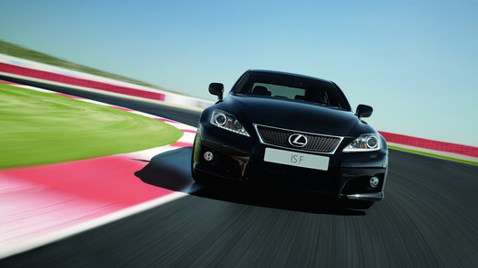 Модернизированный Lexus IS-F получит экологичный V8 и новую панель приборов