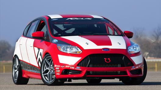 Ford показал универсальный гоночный болид Focus Race Car