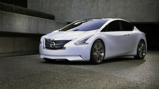Nissan привез на автошоу концепт седана будущего Ellure