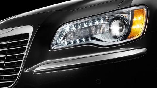 В Chrysler частично обнародовали новое поколение 300С