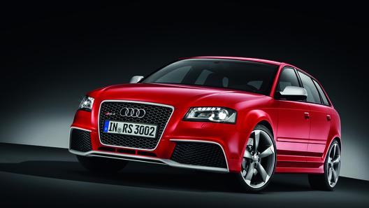 Компания Audi официально показала горячую RS3