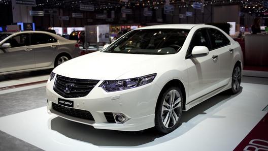 Рестайлинговый Honda Accord показали в Женеве