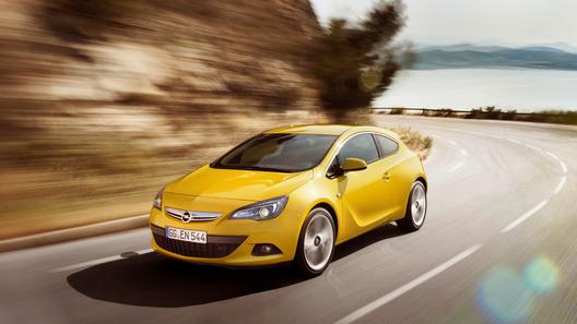 Opel представил официальные фото новой Astra GTC