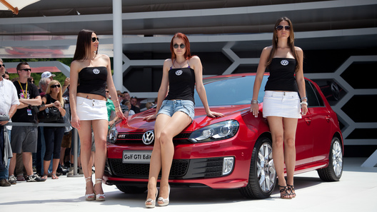 Автоэкзотика по-немецки: поклонники Golf GTI отметили 30-летний юбилей