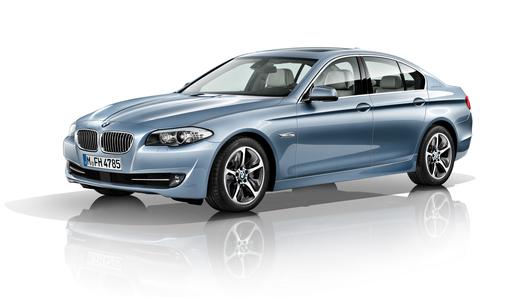 У BMW появился еще один гибридный седан