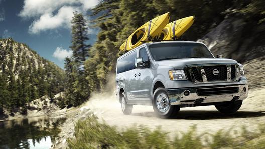 Nissan выводит на рынок новые минивэны