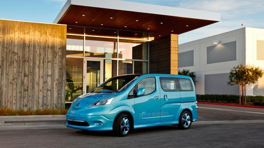 Семейство электрокаров Nissan Leaf пополнилось компактвэном