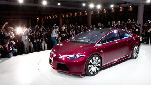 Toyota провела в Детройте неожиданную премьеру