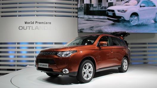 Третье поколение Mitsubishi Outlander обойдется в 969 000 рублей