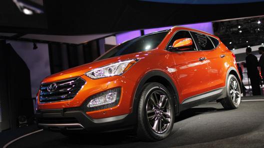 Hyundai показал новый Santa Fe и его удлиненную версию
