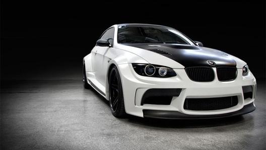 Тюнеры провожают BMW M3 на пенсию экстремальным бодикитом