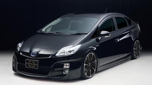 Ателье Wald сделало гибрид Toyota Prius чуть агрессивнее