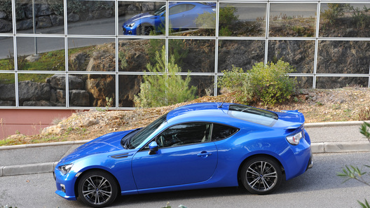 Российские цены на спорткупе Subaru BRZ будут начинаться от 1,4 млн