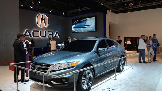 Загадочной премьерой от Honda стал концепт Crosstour