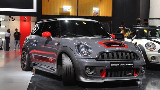 В России начали принимать заказы на новый Mini John Cooper Works GP