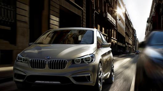 BMW показал первый переднеприводный автомобиль - гибрид Active Tourer