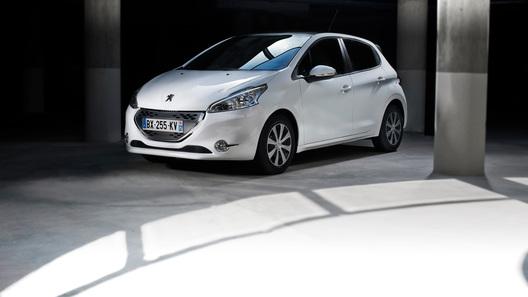 Новый Peugeot 208 обойдется в 499 000 рублей
