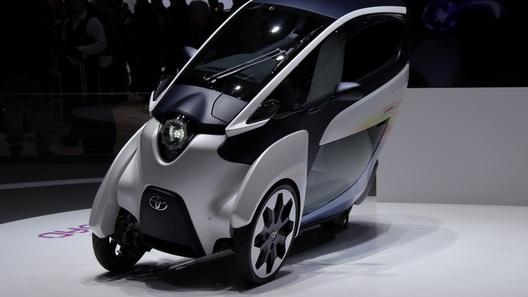 Toyota привезла в Женеву трехколесный электроконцепт i-Road