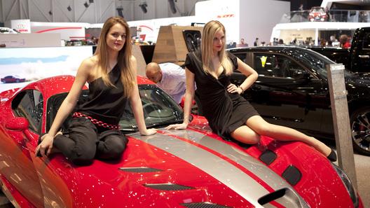 Фотогалерея лучших девушек на автосалоне в Женеве
