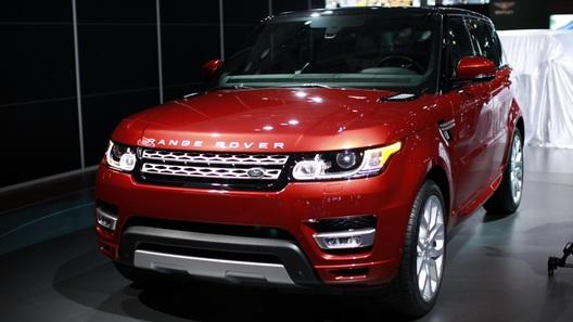 Новый Range Rover Sport не спасует перед бездорожьем