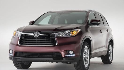 Новый Toyota Highlander может оказаться на 500 тысяч рублей дороже старого