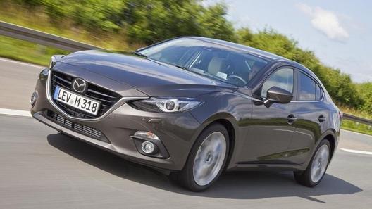 Появились официальные фото седана Mazda3