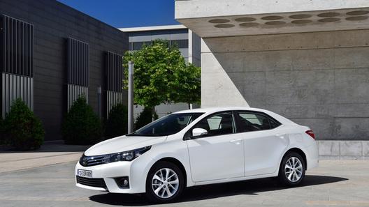 Цены на новую Toyota Corolla стартуют с 660 тысяч рублей