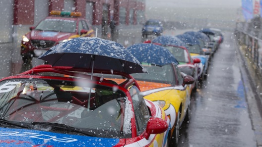 Встречаем первый снег на гоночном треке вместе с Mazda Sport Cup