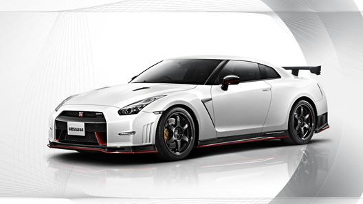 Nissan официально представил свой самый мощный суперкар