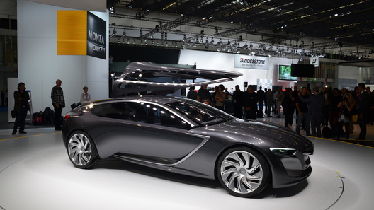 Новую Opel Astra будут рисовать с концепта Monza