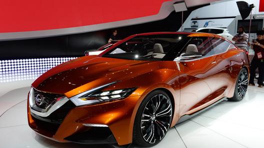 Унылый седан Nissan грозит сразить всех наповал новым дизайном