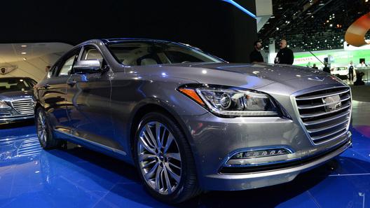 Седан Hyundai Genesis можно будет завести с помощью очков
