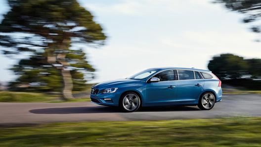 Гибридный Volvo V60 стал спортивнее, но только внешне