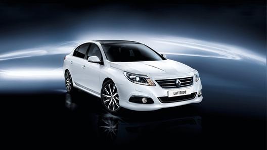 Обновленный Renault Latitude появился в России