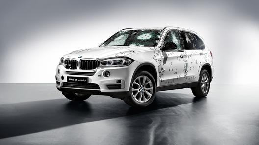 BMW привезет в Москву бронированный X5 и новый X4