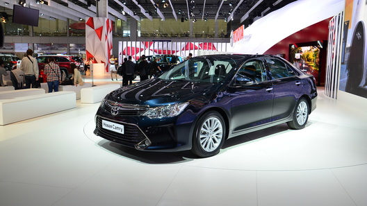 Новая Toyota Camry обойдется в миллион