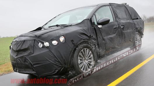 Acura вывела на тесты первый минивэн