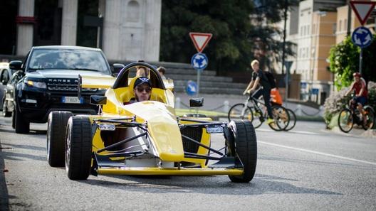 Итальянцы собирают пожертвования на спорткар в стиле