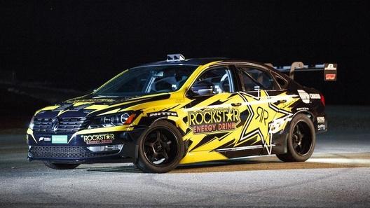 Ведущий Top Gear построил себе 900-сильный VW Passat для дрифта