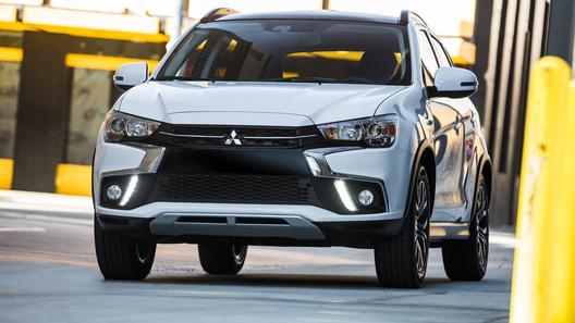 В России открылись продажи компактного кроссовера Mitsubishi