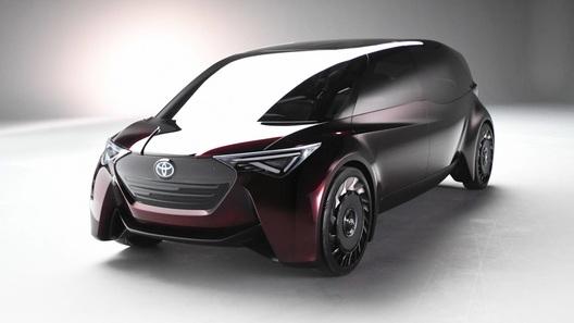 Новый концепт Toyota стирает границы между седаном и минивэном