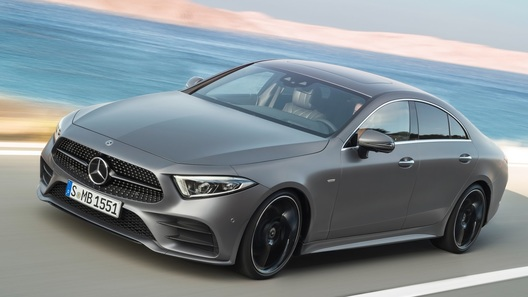 Mercedes-Benz назвал российские цены на новый CLS