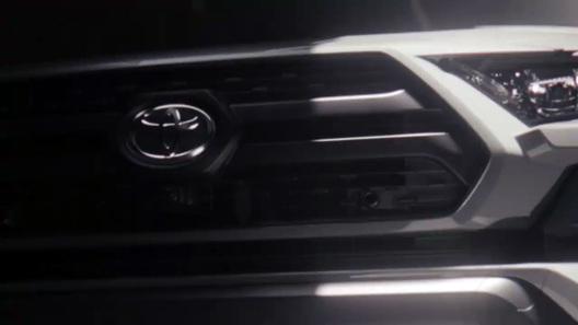 Toyota показала новый RAV4 на видео