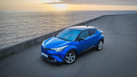 Toyota назвала российские цены на новый кроссовер C-HR