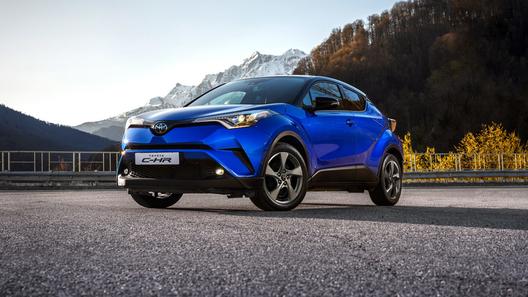 Новый кроссовер Toyota C-HR: российские цены и комплектации