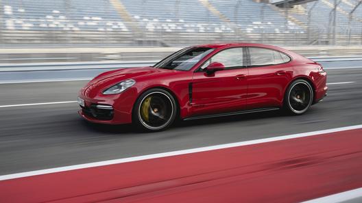 Новые Porsche Panamera GTS: названы российские цены