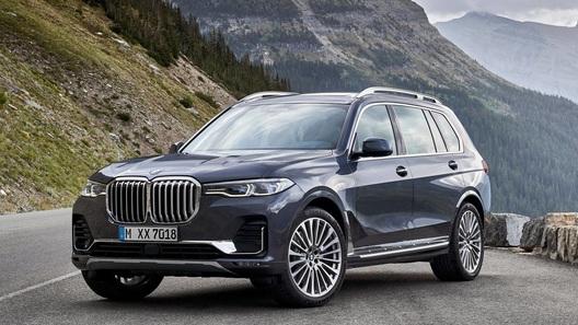 Флагманский BMW X7 в России подорожал еще до старта продаж