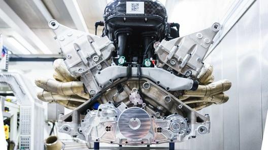 Aston Martin построил 1000-сильный мотор V12 c ресурсом