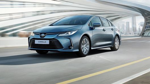 Названы российские цены на новую Toyota Corolla