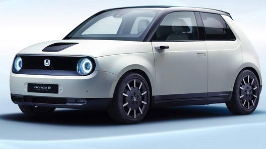 Электрический ретро-хэтч Honda отпразднует вторую премьеру